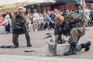 Swieto 25 brygady Antoni Macierewicz 817