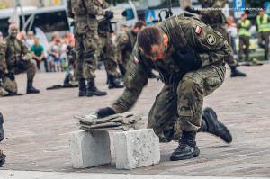 Swieto 25 brygady Antoni Macierewicz 820