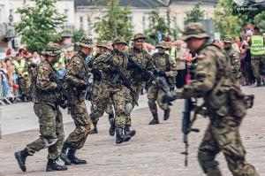 Swieto 25 brygady Antoni Macierewicz 895